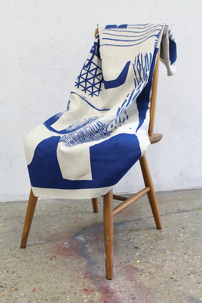Large p laura slater assembleconfigure print blue